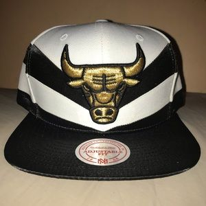 NWT! Mitchell & Ness Chicago Bulls Snapback Hat